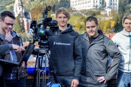 Ing. Kurt Woitischek (GF Murauer Stadtwerke) links und das MurauTV-Team unter der Leitung von Maria Staller (rechts)